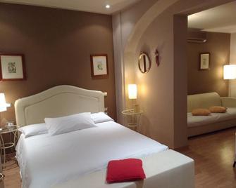 Albergo Trieste - Boves - Schlafzimmer
