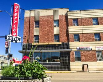 Stettler Hotel - Stettler - Building