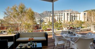 Protea Hotel by Marriott Cape Town Waterfront Breakwater Lodge - Cidade do Cabo - Varanda