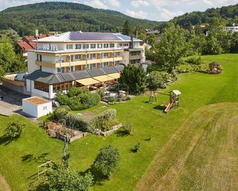 Badhotel Restaurant Stauferland - Bad Boll - Gebäude