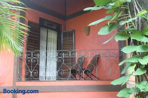 Pousada Villaggio Assis - Ilhabela - Ban công