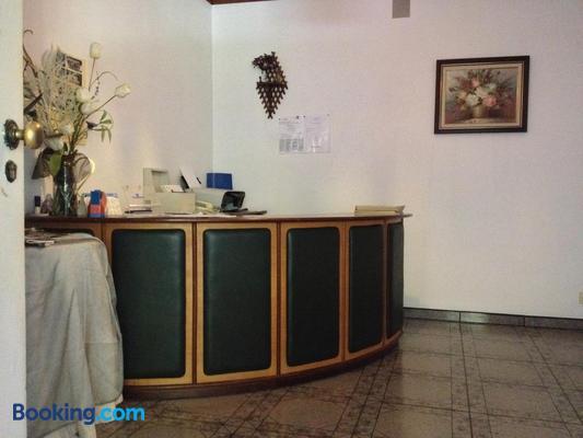 Rs Sobreiro - Bairro - Front desk