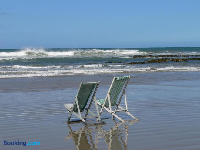 Molyneux House - Kaka Point - Beach