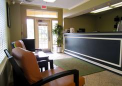 Extended Stay America - Clearwater - Carillon Park - Clearwater - Front desk