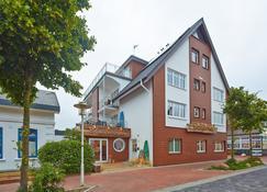 Bernstein Hotel Bootshaus - Büsum - Κτίριο
