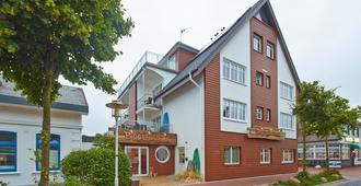Bernstein Hotel Bootshaus - Büsum - Toà nhà