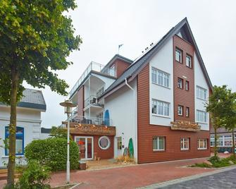 Bernstein-Hotel Bootshaus - Büsum - Gebäude
