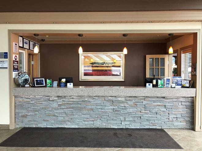 Best Western Plus Mirage Hotel & Resort - High Level - Front desk