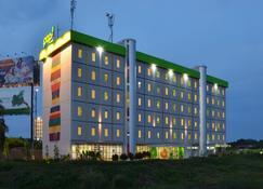 POP! ホテル エアポート ジャカルタ - タンゲラン - 建物