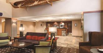 Hampton Inn & Suites Lake George - Lake George - Sala de estar