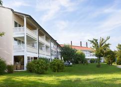 Best Western Aparthotel Birnbachhöhe - Bad Birnbach - Building
