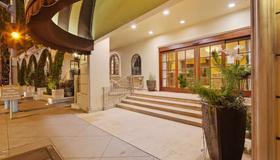 Best Western Plus Sunset Plaza Hotel - Los Angeles - Building