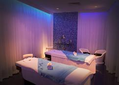 JA Ocean View Hotel - Dubai - Pool
