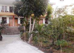 The Teuz B&B - Labuan Bajo - Vista exterior