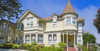 Gosby House Inn, A Four Sisters Inn - Pacific Grove - Building
