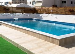 Sun Residences - Larnaka - Piscina
