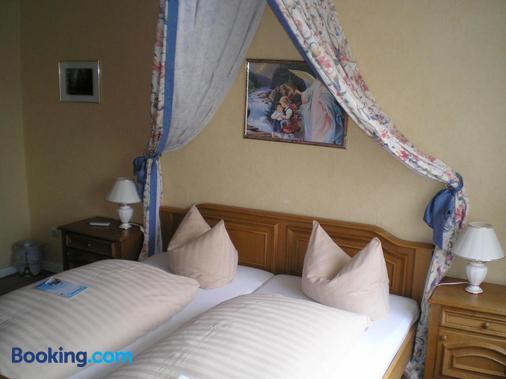 Hotel Restaurant Zum Postillion - Soltau - Bedroom
