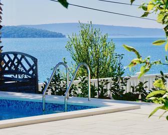 Hotel Bavaria - Donji Seget - Pool