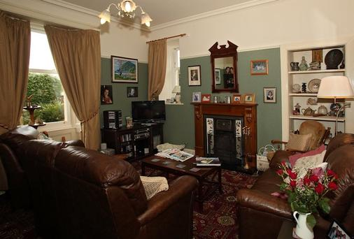 Mansefield House - Fort William - Living room