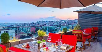 Arts Hotel Istanbul - Special Class - איסטנבול - מרפסת