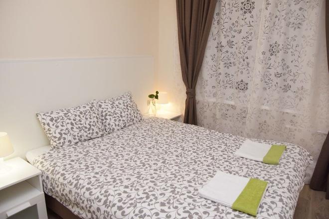Mini-Hotel Spokoynoy nochi on Kievskaya - Moscow - Bedroom