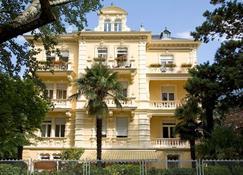 Hotel Westend - Meran - Gebouw