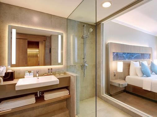 Novotel Jakarta Mangga Dua Square - North Jakarta - Bathroom