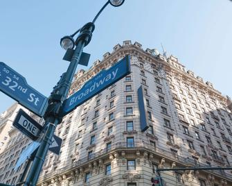 Martinique New York on Broadway , Curio Collection by Hilton - New York - Building