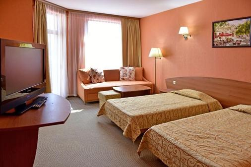 Estreya Palace & Residence - Saints Constantine and Helena - Bedroom