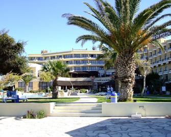Venus Beach Hotel - Paphos - Gebouw