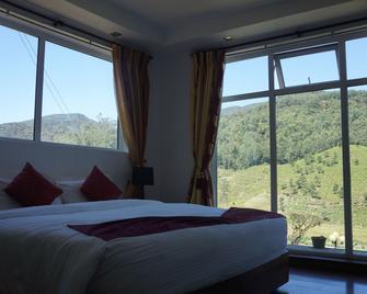 Midky Hotel - Nuwara Eliya - Bedroom