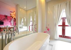 Pimnara Boutique Hotel - Patong - Bathroom