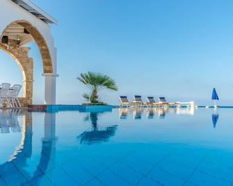Pyrgos Blue - Mália - Pool