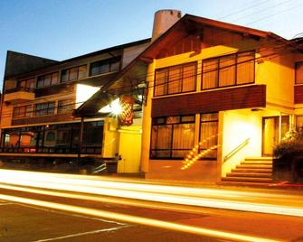 Hotel Bayern - Temuco - Building