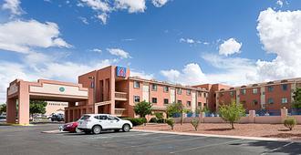 Motel 6 Page - Page - Edificio