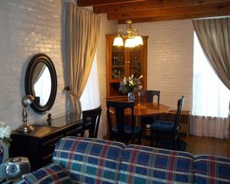 The Rivers Edge Executive Suites - Tiffin - Comedor