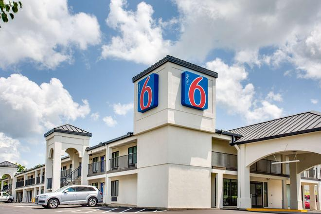 Motel 6 White House, TN - White House - Edificio