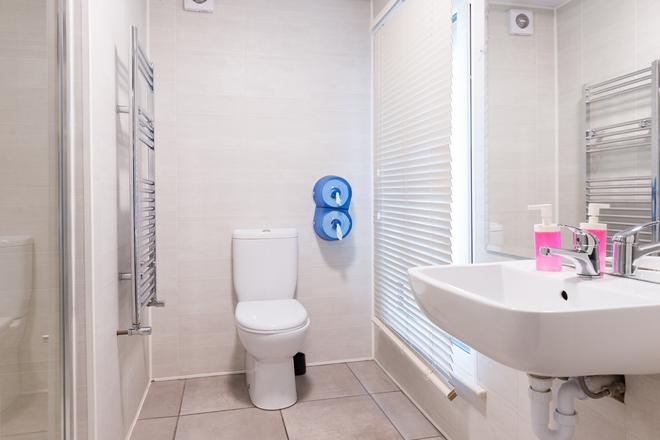 Times Hostel - Camden Place - Dublin - Bathroom