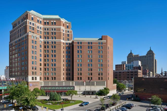 Hyatt Regency Buffalo Hotel And Conference Center - Buffalo - Building