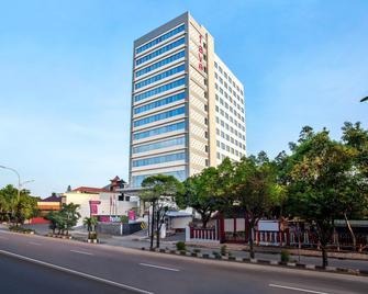 Favehotel Manahan - Solo - Surakarta - Gebouw