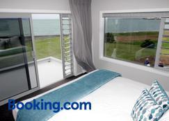 East Pier Hotel - Napier - Bedroom