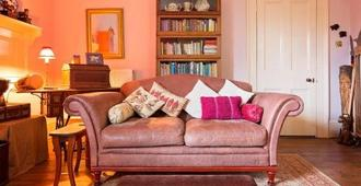 Roscrea Bed & Breakfast - Bodmin - Living room