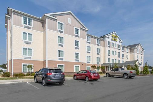 MainStay Suites Camp Lejeune - Jacksonville - Building