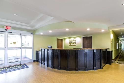 MainStay Suites Camp Lejeune - Jacksonville - Front desk