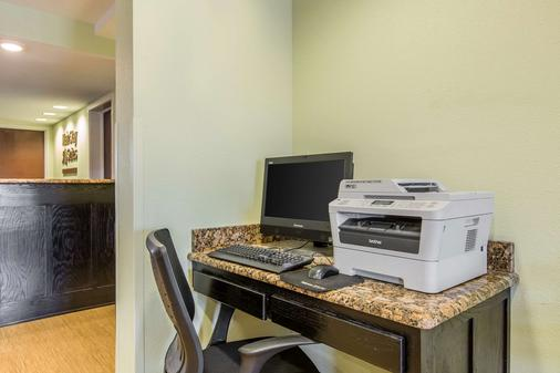 MainStay Suites Camp Lejeune - Jacksonville - Business center