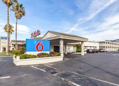 Motel 6 San Rafael Ca - San Rafael - Building