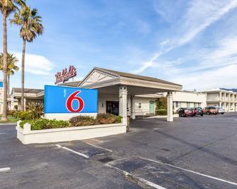 Motel 6 San Rafael, CA - San Rafael - Building