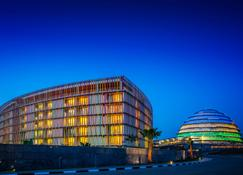 Radisson Blu Hotel & Convention Centre, Kigali - Kigali - Edificio