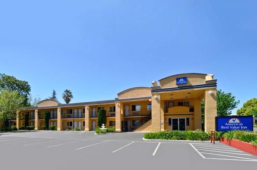 Americas Best Value Inn Chico - Chico - Building