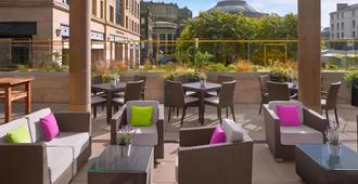 Sheraton Grand Hotel & Spa, Edinburgh - Edinburgh - Hàng hiên